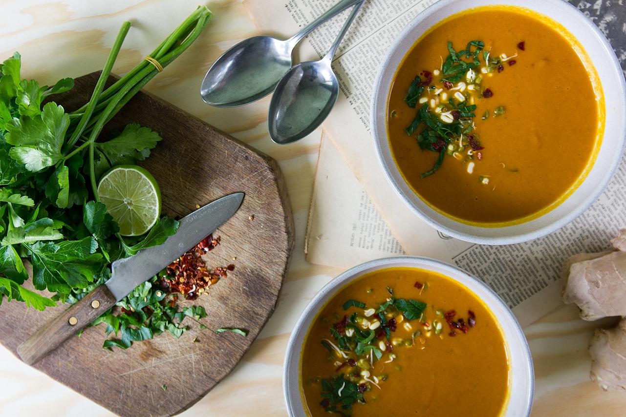 Cizrnová polévka - Cizrna, mrkev, rajčata